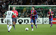 Deco attacks for Barcelona. Celtic v Barcelona, Uefa Champions League, Knockout phase, Celtic Park, Glasgow, Scotland. 20th February 2008.