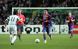 Deco attacks for Barcelona. Celtic v Barcelona, Uefa Champions League, Knockout phase, Celtic Park, Glasgow, Scotland. 20th February 2008.