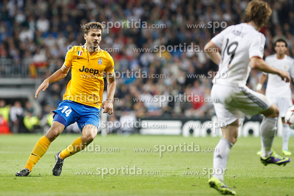23.10.2013, Estadio Santiago Bernabeu, Madrid, ESP, UEFA CL, Real Madrid vs Juventus Turin, Gruppe B, im Bild Modric of Real Madrid and Llorente of Juventus // Modric of Real Madrid and Llorente of Juventus during UEFA Champions League group B match between Real Madrid and Juventus Turin at the Santiago Bernabeu in Madrid, Spain on 2013/10/23. EXPA Pictures &copy; 2013, PhotoCredit: EXPA/ Alterphotos/ CARO MARIN<br /> <br /> *****ATTENTION - OUT of ESP, SUI*****