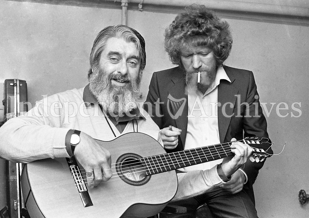 Ronnie Drew and Luke Kelly before going on stage at the Olympia Theatre, Dublin, 07/07/1979 (Part of the Independent Newspapers Ireland/NLI Collection).