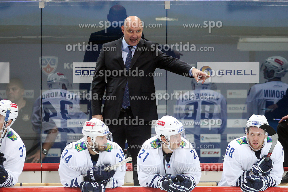 28.08.2015, Dom Sportova, Zagreb, CRO, KHL League, KHL Medvescak vs Admiral Vladivostok, 2. Runde, im Bild Alexander Andriyevsky, coach of Admiral Vladivostok. // during the Kontinental Hockey League, 2nd round match between KHL Medvescak and Admiral Vladivostok at the Dom Sportova in Zagreb, Croatia on 2015/08/28. EXPA Pictures &copy; 2015, PhotoCredit: EXPA/ Pixsell/ Goran Jakus<br /> <br /> *****ATTENTION - for AUT, SLO, SUI, SWE, ITA, FRA only*****