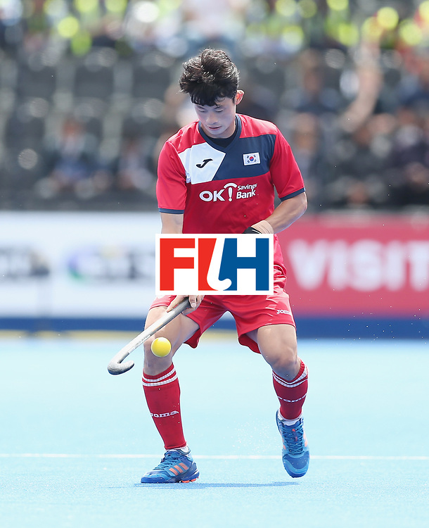 LONDON, ENGLAND - JUNE 15: Jongsuk Bae of Korea during the Hero Hockey World League Semi Final match between Korea and Argentina at Lee Valley Hockey and Tennis Centre on June 15, 2017 in London, England.  (Photo by Alex Morton/Getty Images)