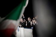 ROMA. IL PRESIDENTE DEL CONSIGLIO SILVIO BERLUSCONI CIRCONDATO DAI MINISTRI DEL SUO GOVERNO SALUTA LA FOLLA DI DELEGATI E SOSTENITORI AL TERMINE DEL PRIMO CONGRESSO NAZIONALE DEL PARTITO DEL POPOLO DELLA LIBERTA'