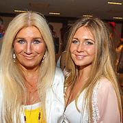 NLD/Amsterdam/20150530 - Toppers concert 2015 Crazy Summer edition, Grant & Forsyth, Julie Forsyth en dochter Sophie
