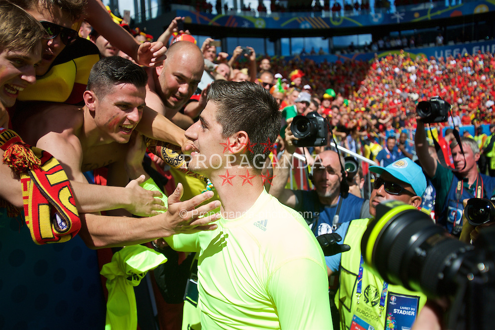 BORDEAUX, FRANCE - Saturday, June 18, 2016: Belgium's goalkeeper Thibaut Courtois greets supporters after the UEFA Euro 2016 Championship Group E match against the Republic of Ireland at Stade de Bordeaux. (Pic by Paul Greenwood/Propaganda)