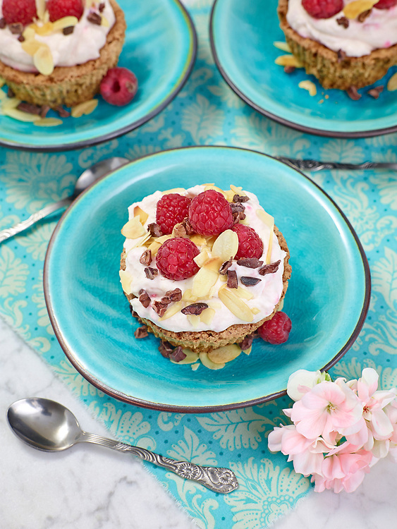 Motiv: Dessert N&ouml;tter<br /> Recept: Katarina Carlgren<br /> Fotograf: Thomas Carlgren<br /> Anv&auml;ndningsr&auml;tt: Publ en g&aring;ng i Desserttidning<br /> Annan publicering kontakta fotografen