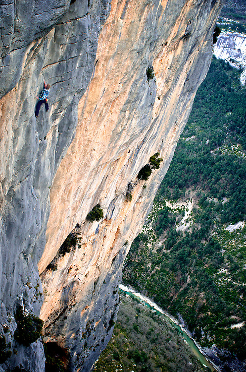 Mich Kemeter soloing Durandal (6c) in France's Verdon Gorges during the Verdon Highline meeting...2012 © Pedro Pimentel