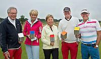 HEELSUM - Co van Liere  (25,9),  Romy (28.6) , Yvonne (27), Theo (18) en Emile (18) Sloof (vlnr)<br /> <br /> verschillende kleuren tees op de Heelsumsche GC. FOTO KOEN SUYK
