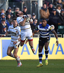 Wasps fly half Andy Goode catches the ball in Aviva Premiership game against Bath Rugby - Photo mandatory by-line: Paul Knight/JMP - Mobile: 07966 386802 - 10/01/2015 - SPORT - Rugby - Bath - The Recreation Ground - Bath Rugby v Wasps - Aviva Premiership