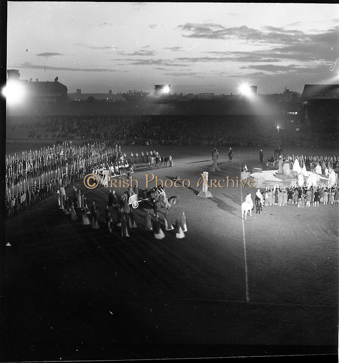 08/05/1955<br /> 05/08/1955<br /> 08 May 1955<br /> Pageant of St. Patrick opens the An Tostal festival at Croke Park, Dublin.