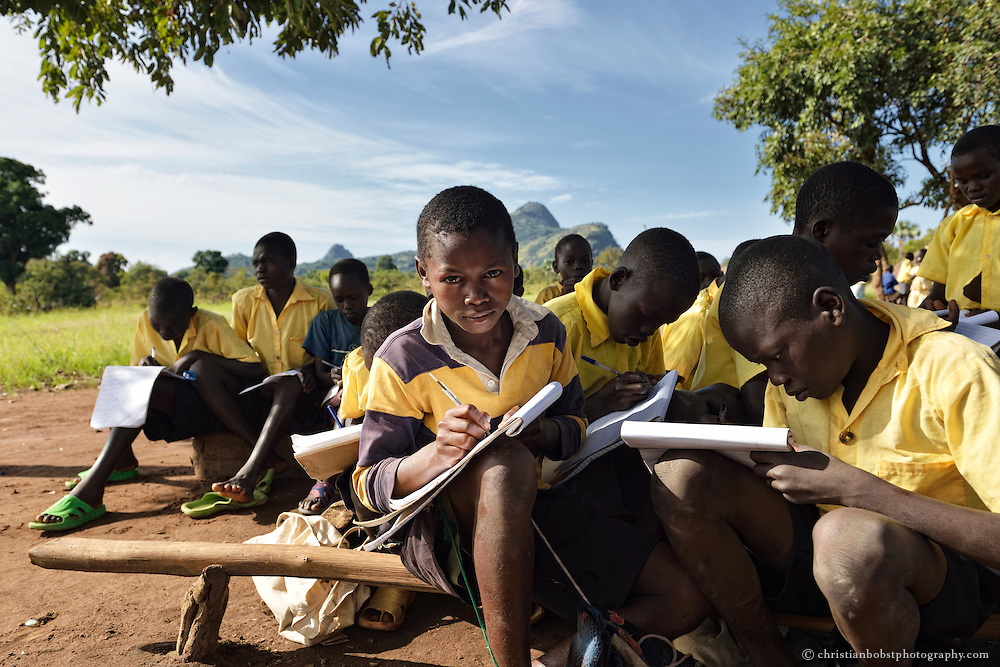 Ligitolo Primary School in Payawa, wo Heks ein Borehole finanziert hat.