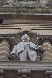© Licensed to London News Pictures. 06/11/15 Oriel Square Oxford. UK. Statue of Cecil Rhodes on the front of Oriel College. Protest for the removal of the statue of Cecil Rhodes which is in the front of Oriel College Oxford.. Photo credit : MARK HEMSWORTH/LNP