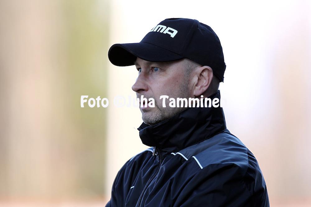 12.5..2013, Hietalahden jalkapallostadion, Vaasa..Veikkausliiga 2013..Vaasan Palloseura - Kuopion Palloseura..Valmentaja Esa Pekonen - KuPS..