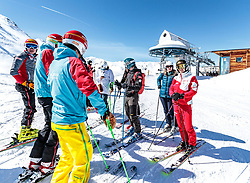 02.04.2018, Skizentrum Hochzillertal, Kaltenbach, AUT, JumpandReach Skitag, im Bild Gruppenbild // during the Skiing Day after the Winterseason with the Austrian JumpandReach Athletes at the Skiresort Hochzillertal, Austria on 2018/04/02. EXPA Pictures © 2018, PhotoCredit: EXPA/ JFK