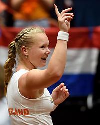 18-04-2015 NED: Fed Cup Nederland - Australie, Den Bosch<br /> Op het gravelcourt van de Maaspoort speel Nederland voor een ticket naar de wereldgroep / Kiki Bertens zet Nederland op een 1-0 voorsprong