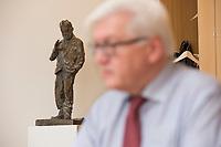 15 JAN 2013, BERLIN/GERMANY:<br /> Frank-Walter Steinmeier, SPD Fraktionsvorsitzender, waehrend einem Interview, in seinem Buero, Jakob-Kaiser-Haus, Deutscher Budnestag<br /> IMAGE: 20130115-01-026<br /> KEYWORDS: B&uuml;ro