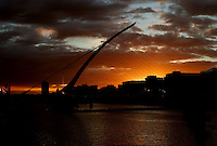 13/5/14 The sun sets over the Samuel Beckett Bridge in Dublin Pic: Marc O'Sullivan