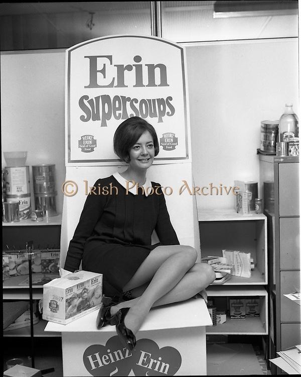 07/01/1969.01/07/1969.07 January 1969. Erin Foods function at Erin Foods Ltd. Dorothy Butler, secretary to general Manager Erin Foods Ltd.