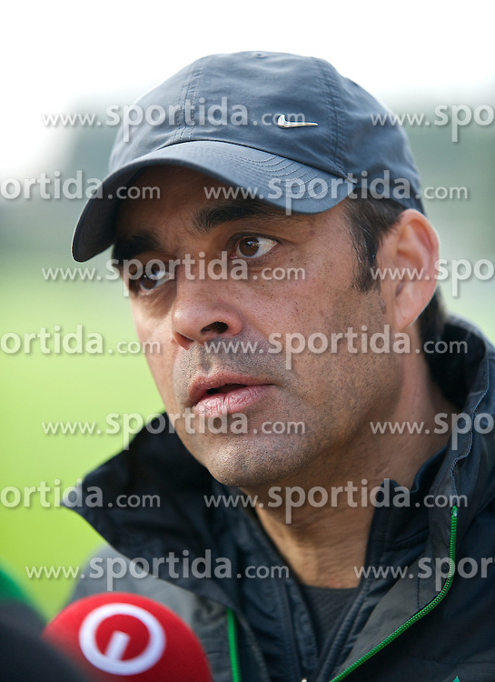 11.01.2014, Trainingsplatz, Jerez de la Frontera, ESP, 1. FBL, SV Werder Bremen, Trainingslager, im Bild Robin Dutt (Cheftrainer SV Werder Bremen) beim Interview // Robin Dutt (Cheftrainer SV Werder Bremen) beim Interview during Trainingsession of German Bundesliga Club SV Werder Bremen at Trainingsplatz in Jerez de la Frontera, Spain on 2014/01/11. EXPA Pictures © 2014, PhotoCredit: EXPA/ Andreas Gumz<br /> <br /> *****ATTENTION - OUT of GER*****