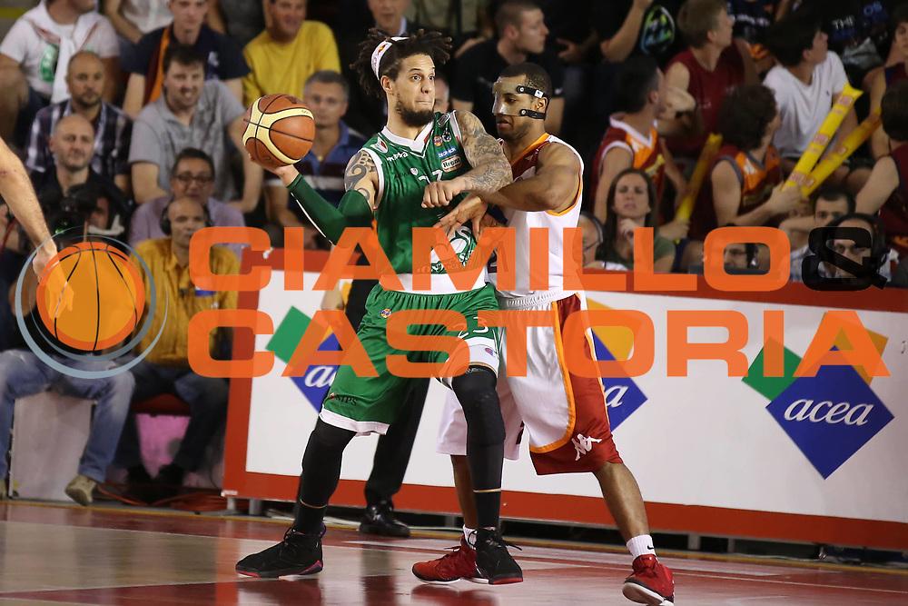 DESCRIZIONE : Roma Lega A 2012-2013 Acea Roma Montepaschi Siena playoff finale gara 1<br /> GIOCATORE : Daniel Hackett<br /> CATEGORIA : passaggio<br /> SQUADRA : Montepaschi Siena<br /> EVENTO : Campionato Lega A 2012-2013 playoff finale gara 1<br /> GARA : Acea Roma Montepaschi Siena<br /> DATA : 11/06/2013<br /> SPORT : Pallacanestro <br /> AUTORE : Agenzia Ciamillo-Castoria/ElioCastoria<br /> Galleria : Lega Basket A 2012-2013  <br /> Fotonotizia : Roma Lega A 2012-2013 Acea Roma Montepaschi Siena playoff finale gara 1<br /> Predefinita :