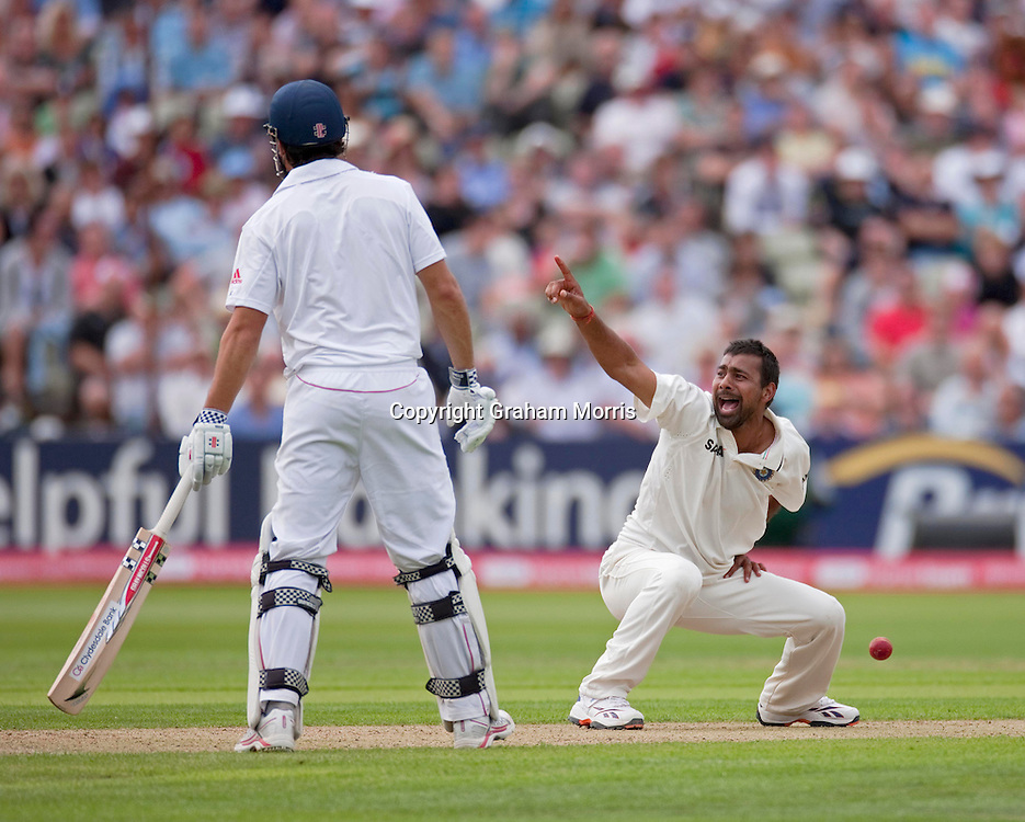 Praveen Kumar appeals as Kevin Pietersen is lbw for 63 during the third npower Test Match between England and India at Edgbaston, Birmingham.  Photo: Graham Morris (Tel: +44(0)20 8969 4192 Email: sales@cricketpix.com) 11/08/11