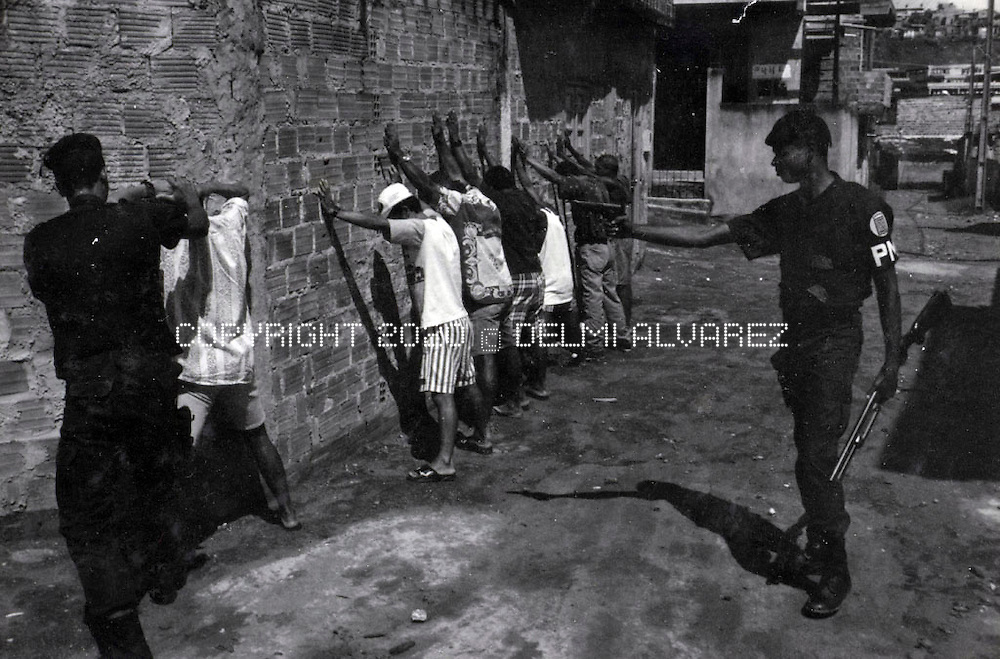 Meninos de rua was a documentary project in Salvador de Bahia, Brasil with children living on the streets. Meninos de rúa , Salvador de Bahía, Brasil, 1996. Documentary of children of streets in Salvador de Bahía.