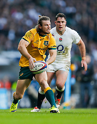 Australia Winger Rob Horne in action - Photo mandatory by-line: Rogan Thomson/JMP - 07966 386802 - 29/11/2014 - SPORT - RUGBY UNION - London, England - Twickenham Stadium - England v Australia - QBE Autumn Internationals.