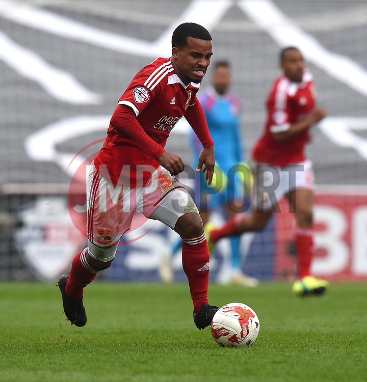Swindon Town's Nathan Byrne in action during the Sky Bet League One match between Swindon Town and Milton Keynes Dons at The County Ground on 4 April 2015 in Swindon, England - Photo mandatory by-line: Paul Knight/JMP - Mobile: 07966 386802 - 04/04/2015 - SPORT - Football - Swindon - The County Ground - Swindon Town v Milton Keynes Dons - Sky Bet League One