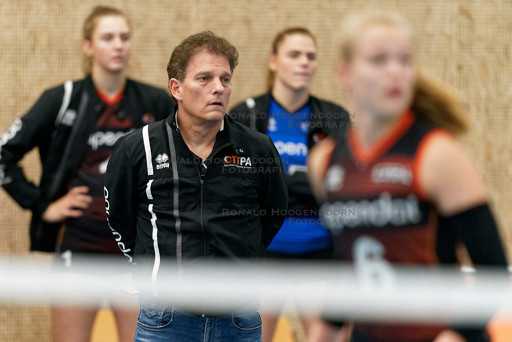 26-10-2019 NED: Talentteam Papendal - Sliedrecht Sport, Ede<br /> Round 4 of Eredivisie volleyball - Coach Avital Selinger of Talent Team