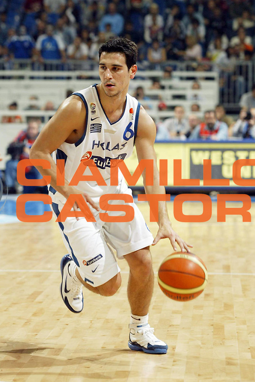 DESCRIZIONE : Belgrado Belgrade Eurobasket Men 2005 Francia Grecia<br /> GIOCATORE : Zisis<br /> SQUADRA : Grecia Greece<br /> EVENTO : Eurobasket Men 2005 Campionati Europei Uomini 2005<br /> GARA : Francia Grecia France Greece<br /> DATA : 24/09/2005<br /> CATEGORIA :<br /> SPORT : Pallacanestro<br /> AUTORE : Ciamillo&amp;Castoria/Fiba Europe Pool
