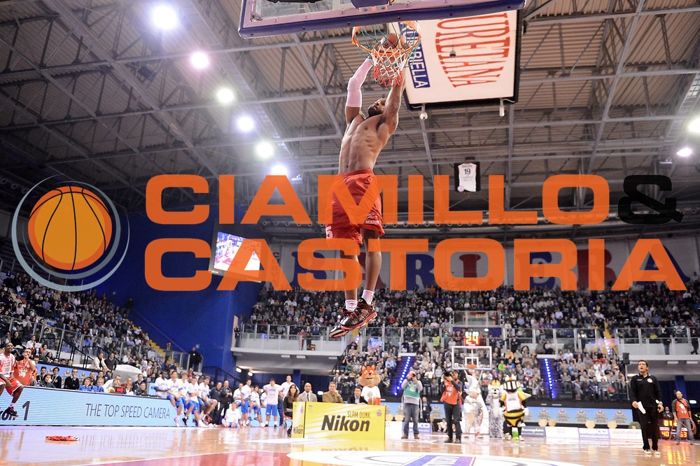 DESCRIZIONE : Biella Beko All Star Game 2012-13<br /> GIOCATORE : Dominic James<br /> CATEGORIA : gara schiacciate dunk contest schiacciata sequenza<br /> SQUADRA : Reggio Emilia<br /> EVENTO : All Star Game 2012-13<br /> GARA : Italia All Star Team<br /> DATA : 16/12/2012 <br /> SPORT : Pallacanestro<br /> AUTORE : Agenzia Ciamillo-Castoria/C.De Massis<br /> Galleria : FIP Nazionali 2012<br /> Fotonotizia : Biella Beko All Star Game 2012-13<br /> Predefinita :