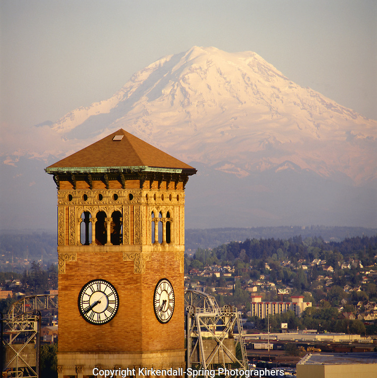BB01718-01...WASHINGTON - Old City Hall building in downtown Tacoma with Mount Rainier in the distance.