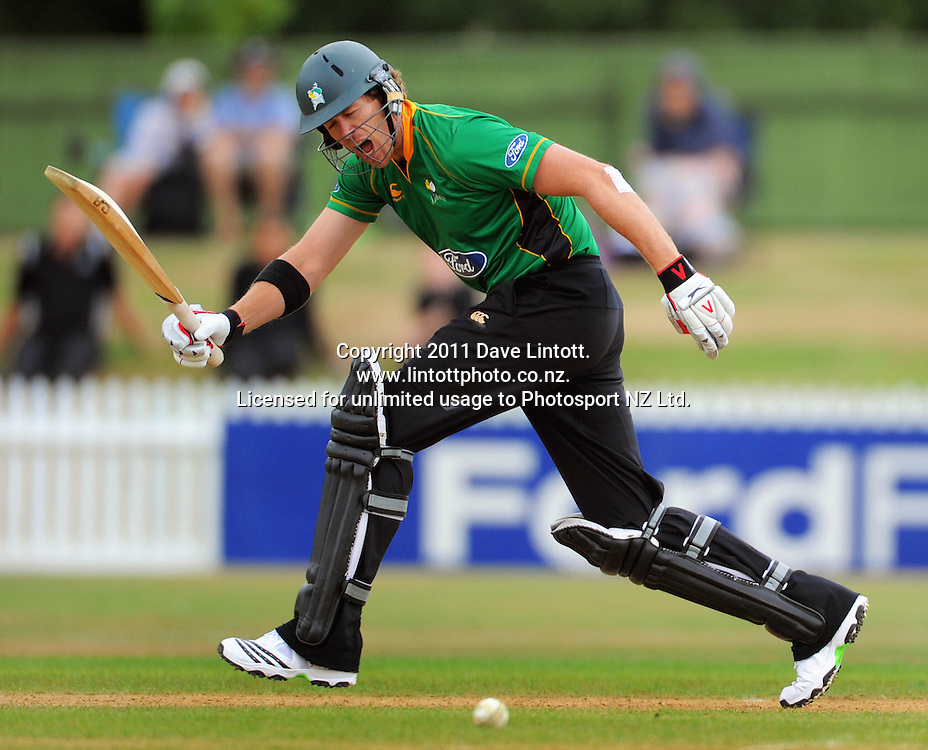 Stags batsman Jacob Oram calls for no run. One-day cricket - Central Stags v Northern Knights at Fitzherbert Park, Palmerston North, New Zealand on Wednesday, 12 January 2011. Photo: Dave Lintott / photosport.co.nz