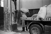 09/08/1962<br /> 08/09/1962<br /> 09 August 1961<br /> Bolands Bakery feature, interiors of Bolands factory, Grand Canal Street, Dublin. Delivery of grain to bakery.