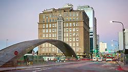 O Palácio do Comércio é um prédio histórico de Porto Alegre, sendo um dos mais importantes exemplares da arquitetura art déco na cidade. O prédio foi erguido a partir de 12 de outubro de 1937, quando lançou-se a pedra fundamental, para ser a sede da Associação Comercial de Porto Alegre, sendo inaugurado em 14 de novembro de 1940 com a presença do presidente Getúlio Vargas. FOTO: Jefferson Bernardes/Preview.com