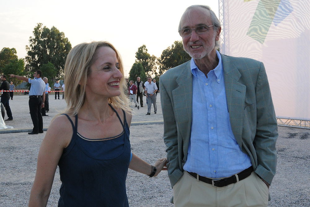 June 29, 2011, Athens, Greece. Former Environment Minister Tina Birbili and Italian architect Renzo Piano, on the unveiling of the final designs for the Stavros Niarchos Foundation Cultural Centre. <br /> <br /> The final designs for the Stavros Niarchos Foundation Cultural Centre, a major hub for the arts planned for Athens, were unveiled on Wednesday 29, June 2011. The centre, designed by the world renowned Italian architect Renzo Piano, includes the headquarters for the National Library of Greece and a opera house for the Greek National Opera. This 187,800 sqm project - a private-public endeavour - will have a cost of $800 million, financed entirely by the Stavros Niarchos Foundation, and once completed in 2015 it will be turned over the Greek State.