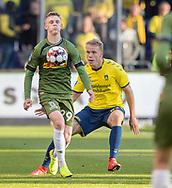 FODBOLD: Joachim Rothmann (FC Nordsjælland) og Hjörtur Hermannsson (Brøndby IF) under kampen i Superligaen mellem Brøndby IF og FC Nordsjælland den 13. maj 2019 på Brøndby Stadion. Foto: Claus Birch.