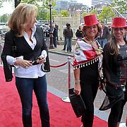 NLD/Amsterdam/20110731 - Premiere circus Hurricane met Hans Klok, Betty Groot, Netty van der Veer en Esther Oosterbeek