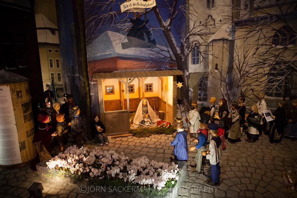Europe, Germany, Cologne, nativity set inside the romanesque church St. Maria im Kapitol.<br /> <br /> Europa, Deutschland, Nordrhein-Westfalen, Koeln, Krippe in der romanischen Kirche St. Maria im Kapitol.