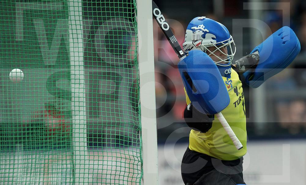 ROTTERDAM - Hock World League Semi Final Women<br /> Netherlands v Chile<br /> foto: SCHULER Claudia (GK) Chile.<br /> FFU PRESS AGENCY COPYRIGHT FRANK UIJLENBROEK