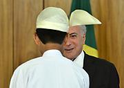 25.04.2018 - BRASÍLIA, DF -  O presidente da República, Michel Temer, recebe o embaixador Myanmar, senhor Myo Tint, na quarta-feira (25), em cerimônia de apresentação de cartas credenciais no Palácio do Planalto, em BrasiliaEmbaixadores no Brasil ( Foto: RENATO COSTA / FRAMEPHOTO )