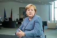 09 OCT 2017, BERLIN/GERMANY:<br /> Angela Merkel, CDU, Bundeskanzlerin, waehrend einem Interview, in ihrem Buero, Bundeskanzleramt<br /> IMAGE: 20171009-01-007<br /> KEYWORDS: B&uuml;ro