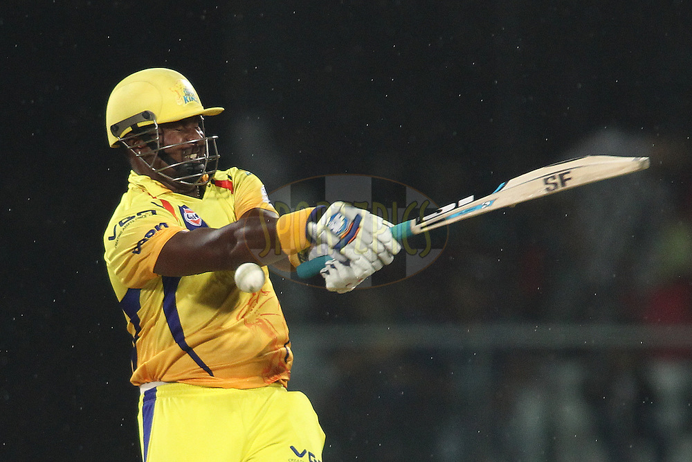 Dwayne Smith of The Chennai Super Kings gets hit by a Mohammad Shami of the Delhi Daredevils bouncer during match 26 of the Pepsi Indian Premier League Season 2014 between the Delhi Daredevils and the Chennai Super Kings held at the Feroze Shah Kotla cricket stadium, Delhi, India on the 5th May  2014<br /> <br /> Photo by Shaun Roy / IPL / SPORTZPICS<br /> <br /> <br /> <br /> Image use subject to terms and conditions which can be found here:  http://sportzpics.photoshelter.com/gallery/Pepsi-IPL-Image-terms-and-conditions/G00004VW1IVJ.gB0/C0000TScjhBM6ikg