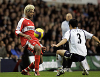Photo: Marc Atkins.<br /> Tottenham Hotspur v Middlesbrough. The Barclays Premiership. 05/12/2006. Abel Xavier (L) in action with Young Pyo Lee of Spurs.