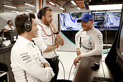 September 20, 2019, Singapore, Singapore: Motorsports: FIA Formula One World Championship 2019, Grand Prix of Singapore, ..Toto Wolff (AUT, Mercedes AMG Petronas Motorsport), Bradley Lord (Mercedes AMG Petronas Motorsport), #77 Valtteri Bottas (FIN, Mercedes AMG Petronas Motorsport) (Credit Image: © Hoch Zwei via ZUMA Wire)