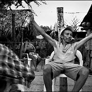LOS LLANOS.San Vicente, Apure State - Venezuela 2002.(Copyright © Aaron Sosa)..Una de las hermosas regiones que posee Venezuela, est· conformada por los Llanos, extensas sabanas que se pierden en el horizonte, donde la vegetaciÛn y la fauna tan variada, son de una belleza ˙nica y sobrecogedora. Sus inmensas tierras poseen una cantidad de ecosistemas que brindan la oportunidad de apreciar una diversa cantidad de paisajes y vivencias que hacen del Llano una experiencia muy gratificante para los amantes de la naturaleza...Ene ste trabajo ademas de paisajes, podremos apreciar un poco de su gente, sus constumbres y el dÌa a dÌa del llanero...