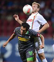 FUSSBALL   1. BUNDESLIGA  SAISON 2012/2013   13. Spieltag FC Augsburg - Borussia Moenchengladbach           25.11.2012 Juan Arango (li, Borussia Moenchengladbach) gegen Ragnar Klavan (FC Augsburg)