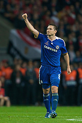 MOSCOW, RUSSIA - Wednesday, May 21, 2008: Chelsea's Frank Lampard celebrates after scoring the equaliser against Manchester United during the UEFA Champions League Final at the Luzhniki Stadium. (Photo by David Rawcliffe/Propaganda)
