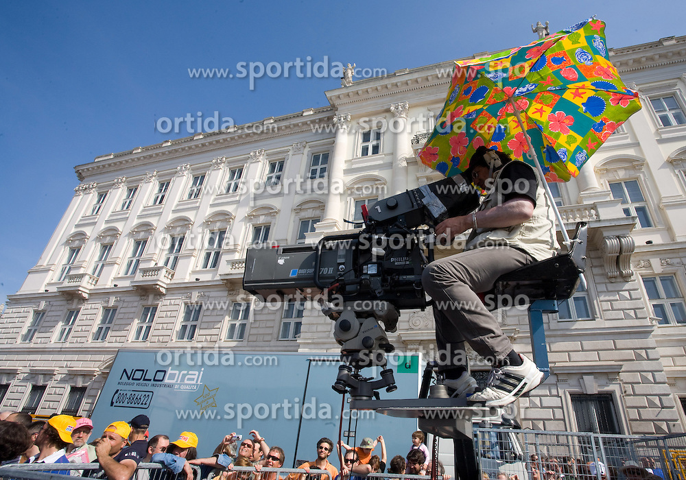 Cameraman at finish line of 2nd stage of 92nd Giro d'Italia in Trieste, on May 10, 2009, in Trieste, Italia.  (Photo by Vid Ponikvar / Sportida)