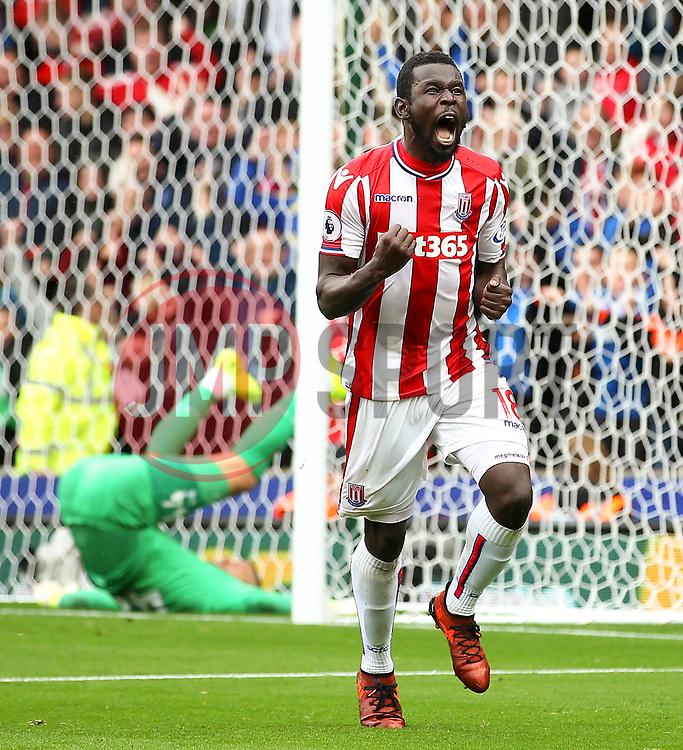 Mame Biram Diouf of Stoke City celebrates after scoring his sides first goal - Mandatory by-line: Matt McNulty/JMP - 30/09/2017 - FOOTBALL - Bet365 Stadium - Stoke-on-Trent, England - Stoke City v Southampton - Premier League